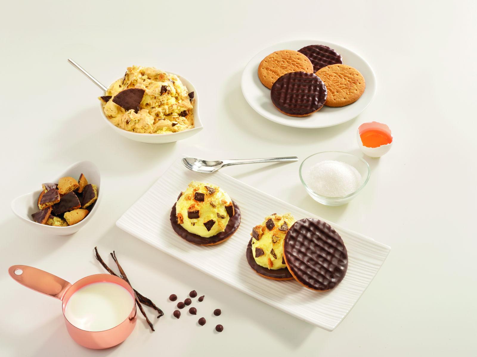 Παγωτό με βανίλια και σοκολάτα